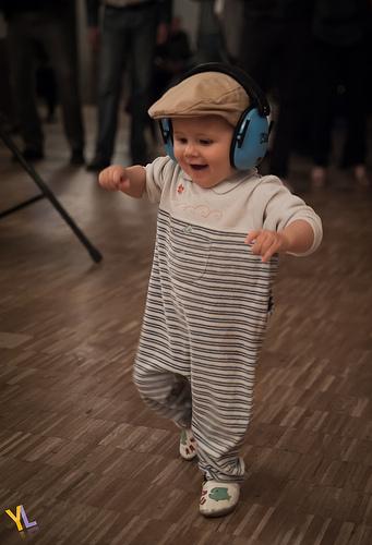 bebe y musica